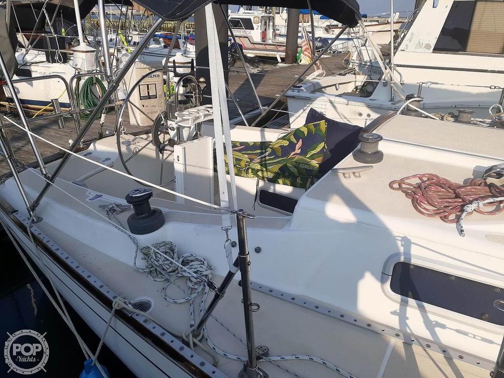 1988 Tartan Yachts boat for sale, model of the boat is 31 & Image # 12 of 40