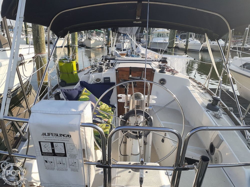 1988 Tartan Yachts boat for sale, model of the boat is 31 & Image # 14 of 40