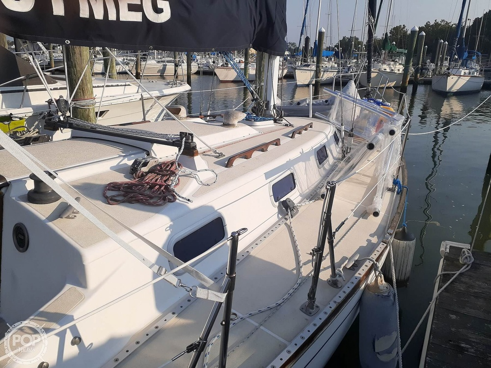 1988 Tartan Yachts boat for sale, model of the boat is 31 & Image # 15 of 40