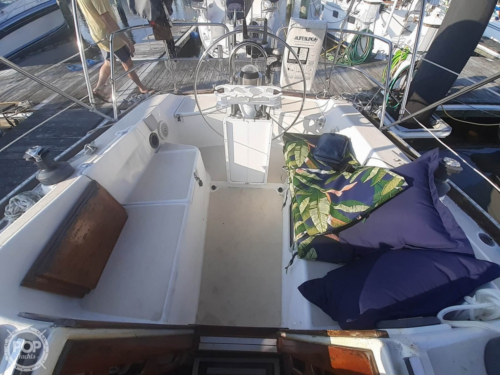 1988 Tartan Yachts boat for sale, model of the boat is 31 & Image # 16 of 40