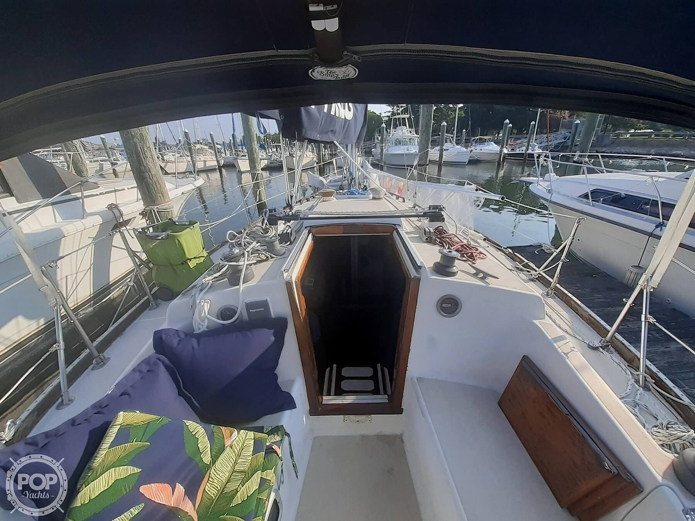 1988 Tartan Yachts boat for sale, model of the boat is 31 & Image # 18 of 40