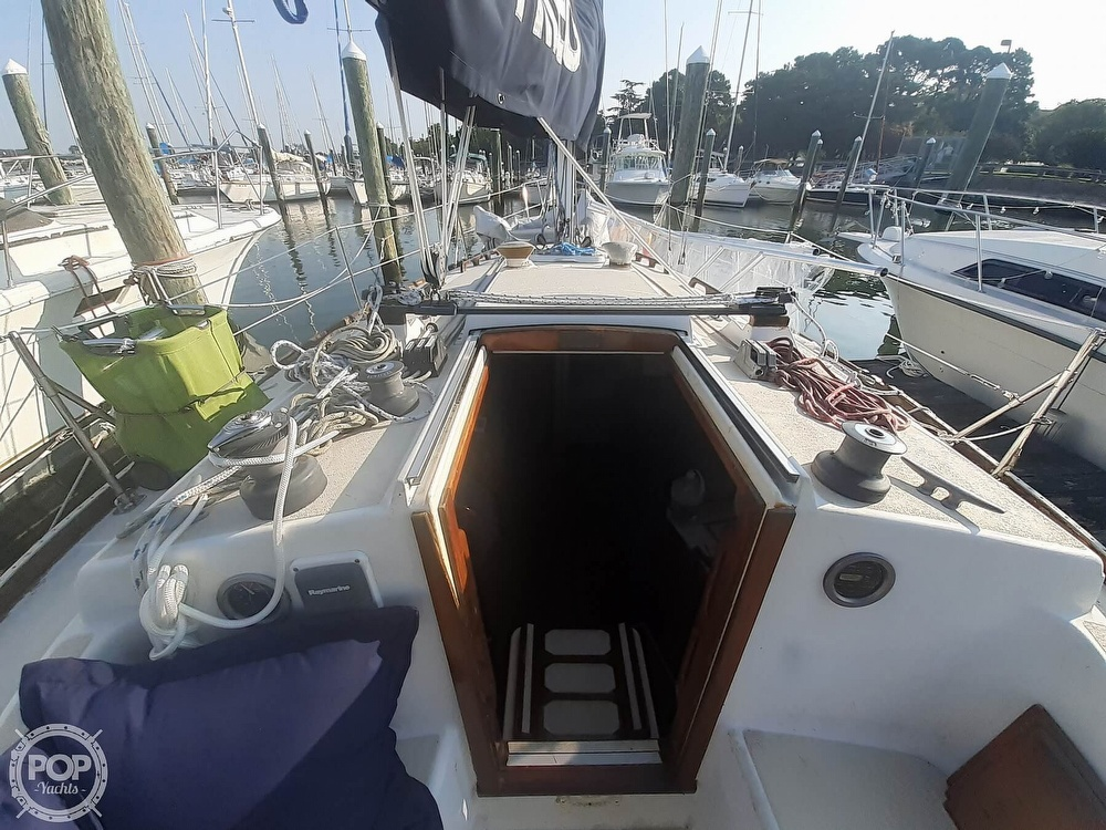 1988 Tartan Yachts boat for sale, model of the boat is 31 & Image # 22 of 40
