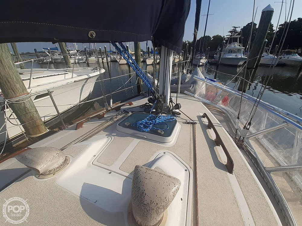 1988 Tartan Yachts boat for sale, model of the boat is 31 & Image # 23 of 40