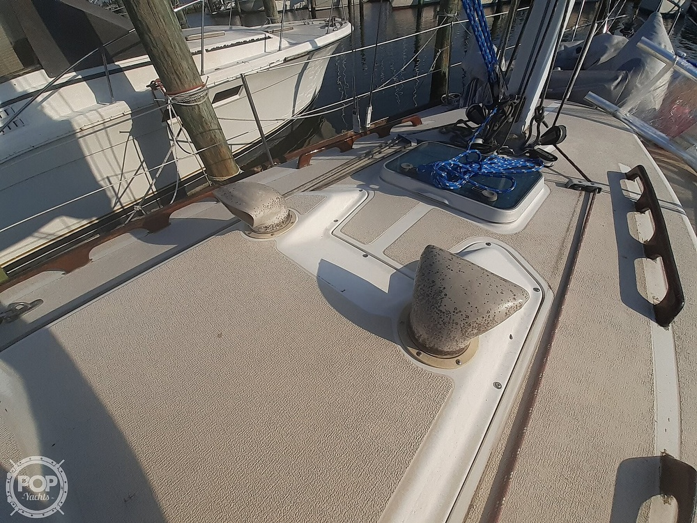 1988 Tartan Yachts boat for sale, model of the boat is 31 & Image # 24 of 40
