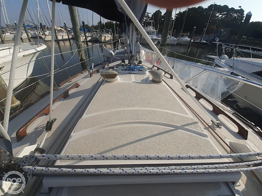 1988 Tartan Yachts boat for sale, model of the boat is 31 & Image # 26 of 40
