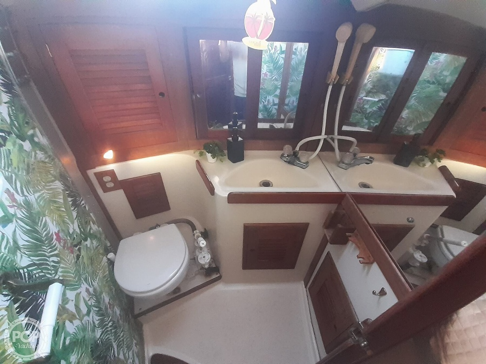 1988 Tartan Yachts boat for sale, model of the boat is 31 & Image # 36 of 40