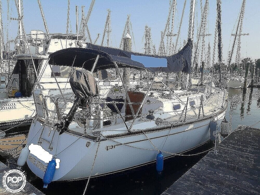1988 Tartan Yachts boat for sale, model of the boat is 31 & Image # 8 of 40