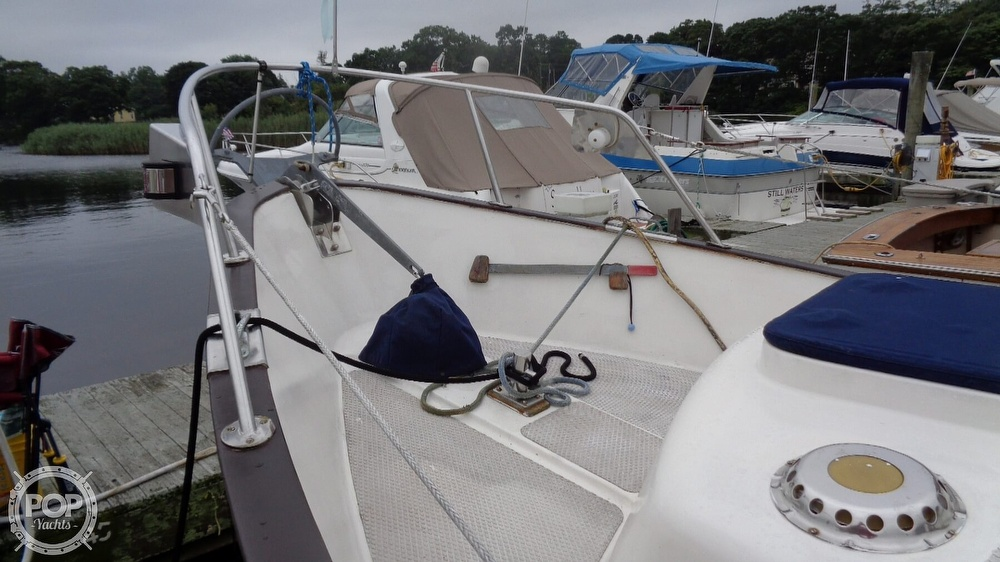 1977 Fisher boat for sale, model of the boat is 30 Pilot & Image # 15 of 40