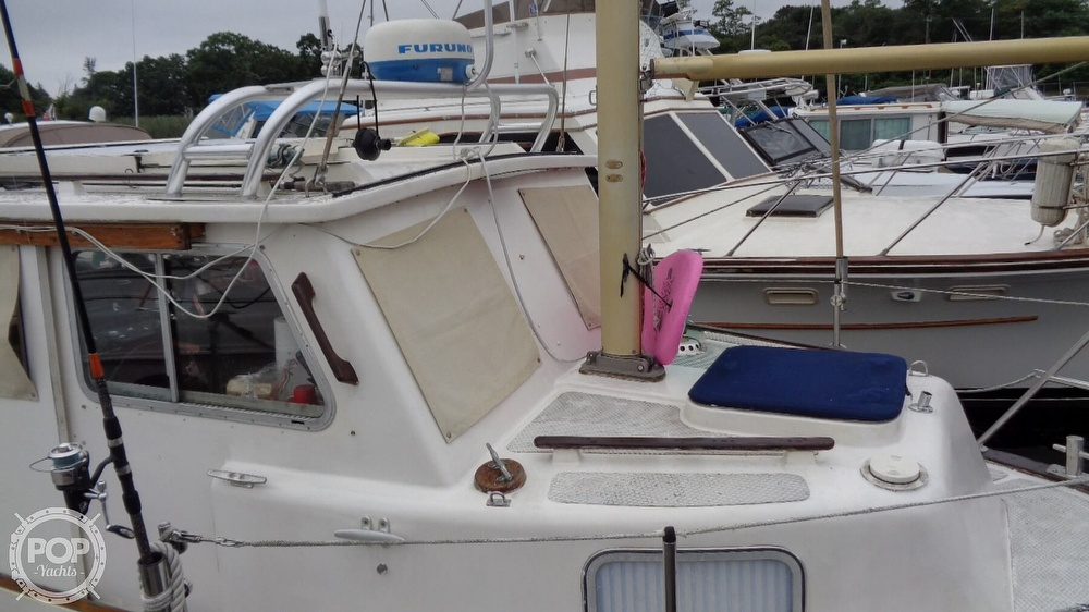 1977 Fisher boat for sale, model of the boat is 30 Pilot & Image # 21 of 40
