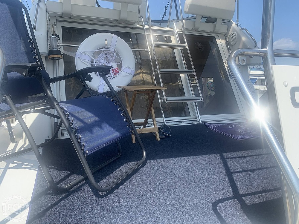 1997 Carver boat for sale, model of the boat is Aft 325 & Image # 15 of 40
