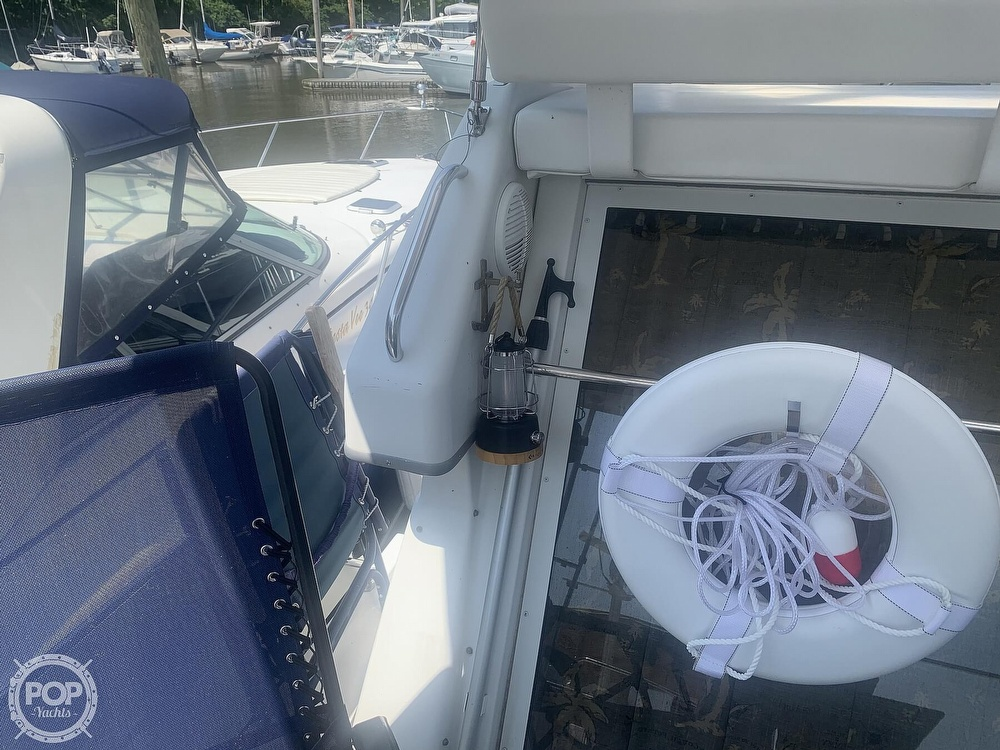 1997 Carver boat for sale, model of the boat is Aft 325 & Image # 16 of 40