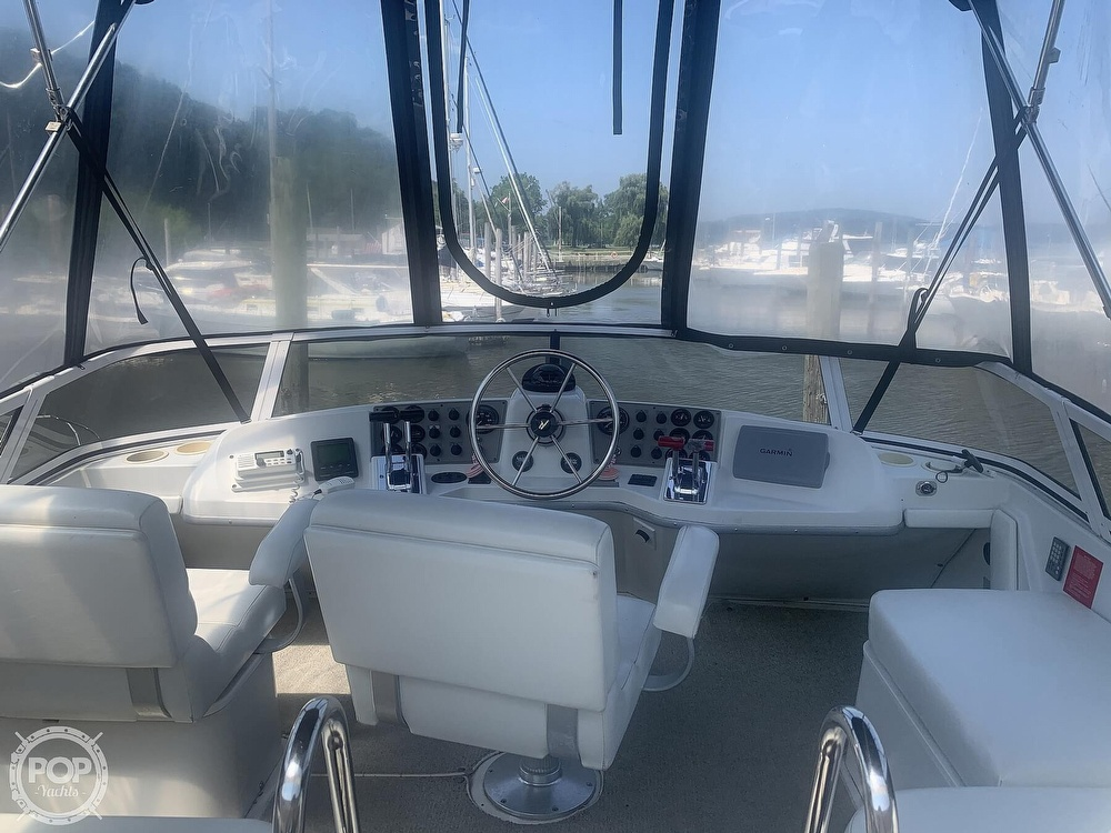 1997 Carver boat for sale, model of the boat is Aft 325 & Image # 21 of 40