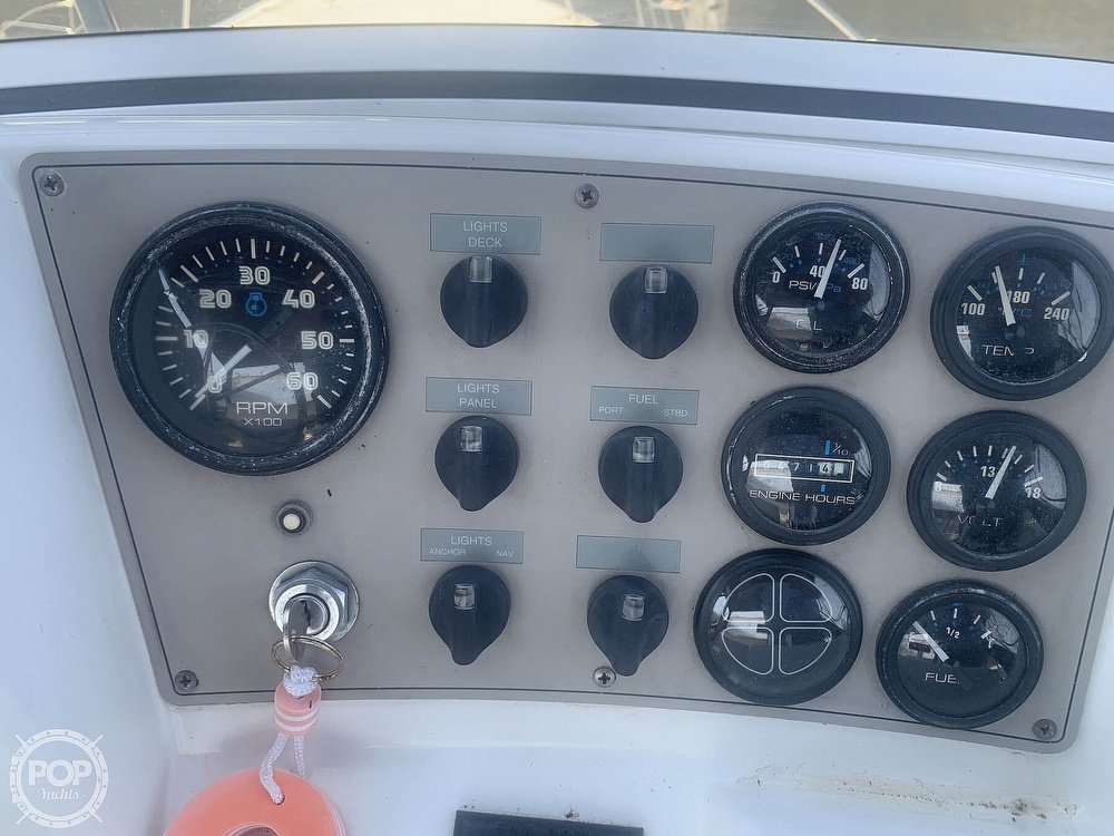 1997 Carver boat for sale, model of the boat is Aft 325 & Image # 33 of 40