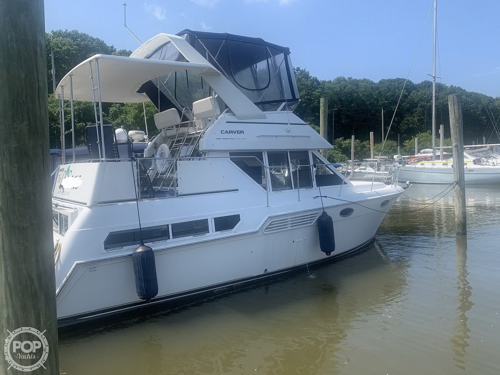 1997 Carver boat for sale, model of the boat is Aft 325 & Image # 2 of 40