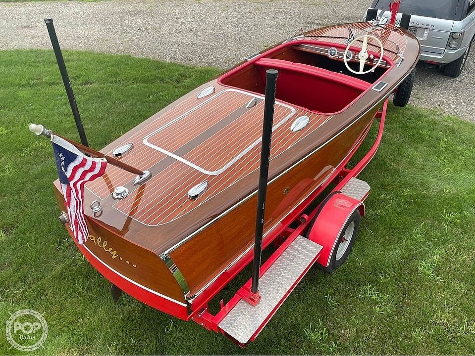 1948 Chris Craft boat for sale, model of the boat is Deluxe Runabout & Image # 5 of 40
