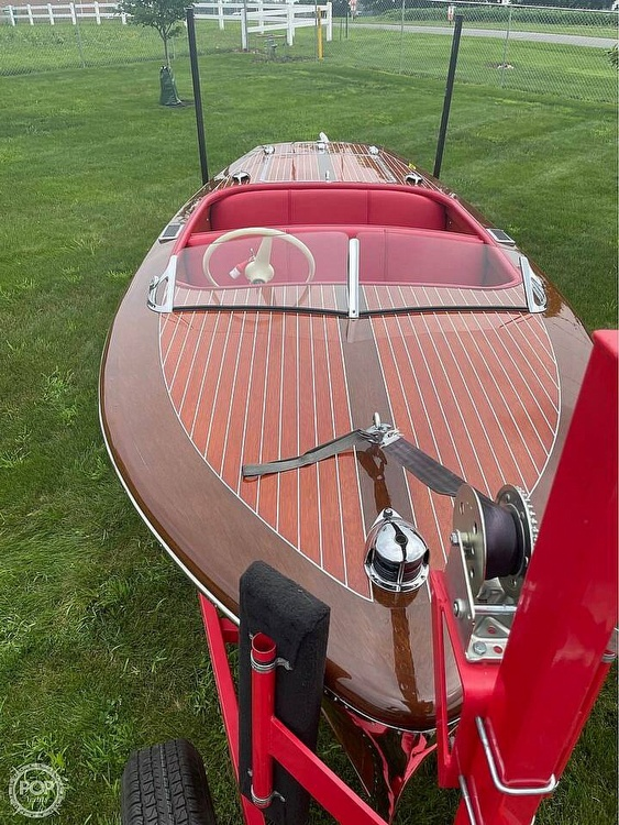 1948 Chris Craft boat for sale, model of the boat is Deluxe Runabout & Image # 29 of 40
