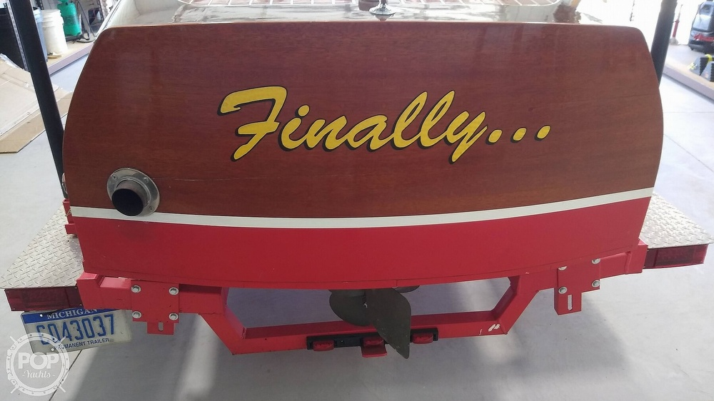 1948 Chris Craft boat for sale, model of the boat is Deluxe Runabout & Image # 33 of 40
