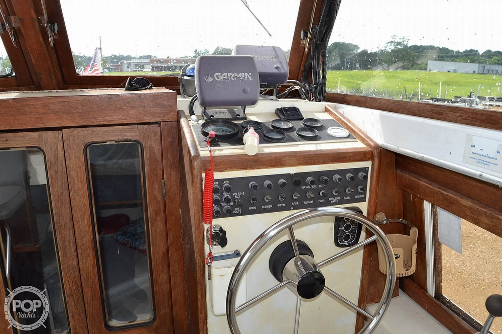 1978 Carver boat for sale, model of the boat is 2546 & Image # 12 of 40