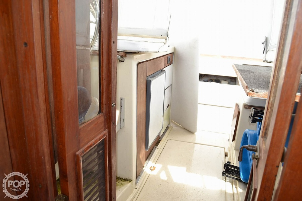 1978 Carver boat for sale, model of the boat is 2546 & Image # 24 of 40