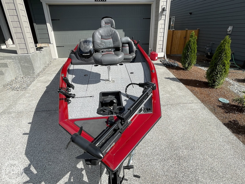 2021 Tracker Boats boat for sale, model of the boat is Pro Team 175 TXW TE & Image # 6 of 40