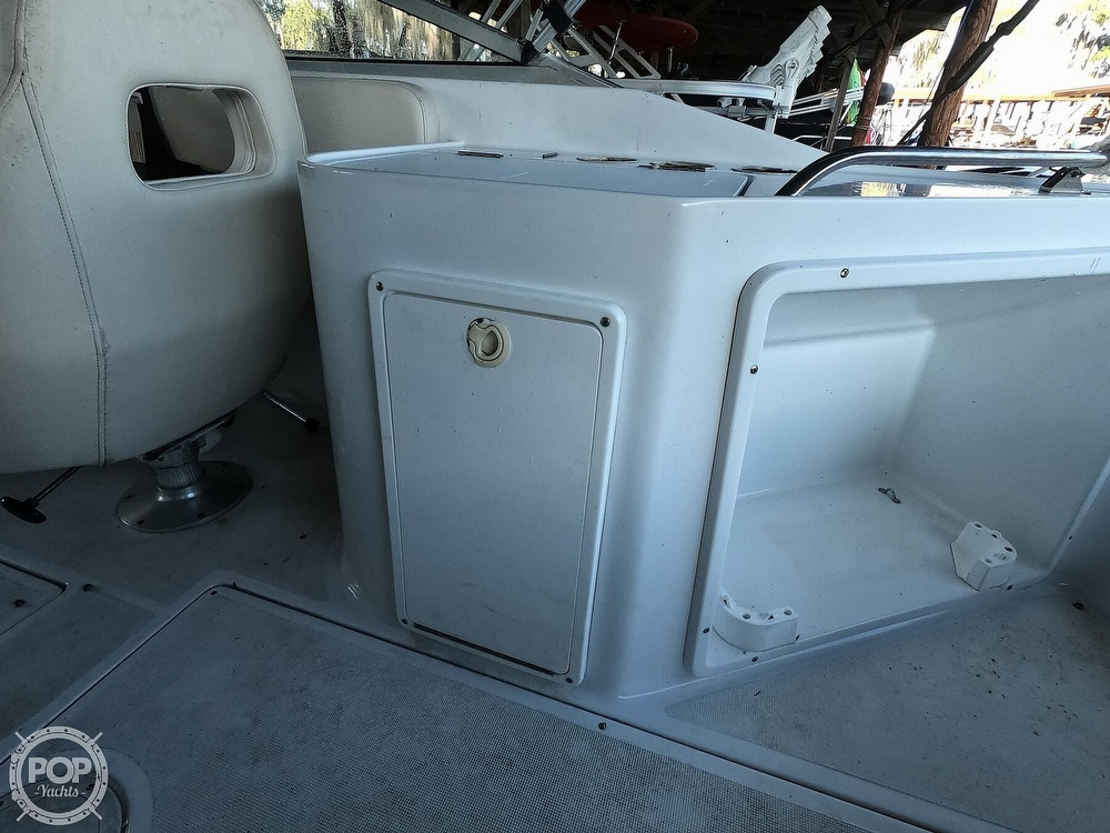 1999 Chris Craft boat for sale, model of the boat is 260 Sport Deck & Image # 7 of 40