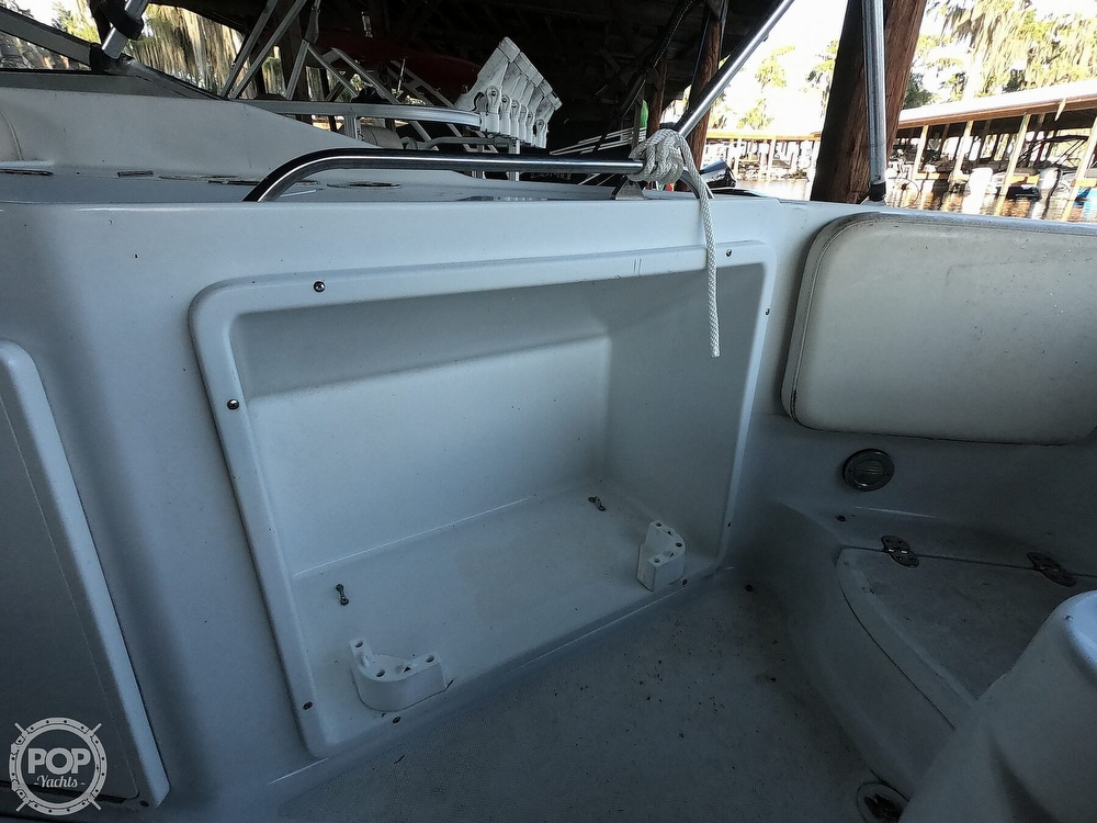 1999 Chris Craft boat for sale, model of the boat is 260 Sport Deck & Image # 9 of 40
