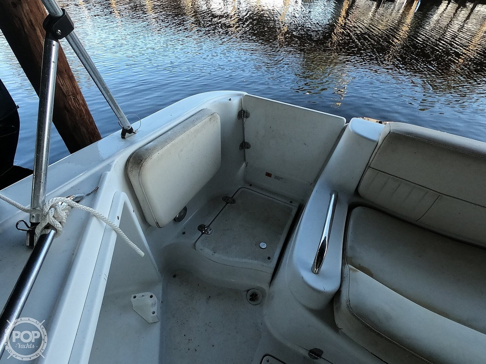 1999 Chris Craft boat for sale, model of the boat is 260 Sport Deck & Image # 10 of 40