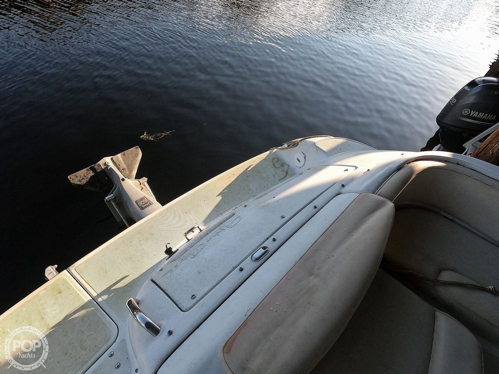 1999 Chris Craft boat for sale, model of the boat is 260 Sport Deck & Image # 12 of 40