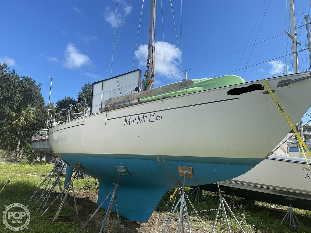 1981 Niagara boat for sale, model of the boat is 35 & Image # 31 of 38