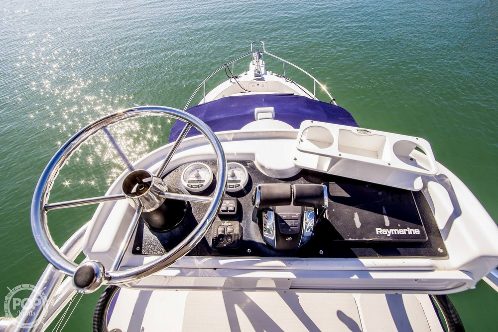 2005 Pro-Line boat for sale, model of the boat is 31 Express & Image # 4 of 40