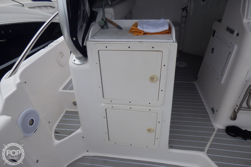 2005 Pro-Line boat for sale, model of the boat is 31 Express & Image # 37 of 40