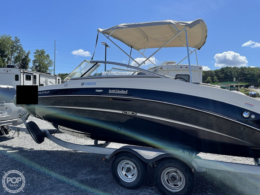 2014 Yamaha boat for sale, model of the boat is 242 Limited & Image # 2 of 40