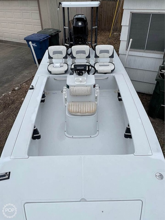 1995 Hewes boat for sale, model of the boat is 19 Redfisher & Image # 4 of 32