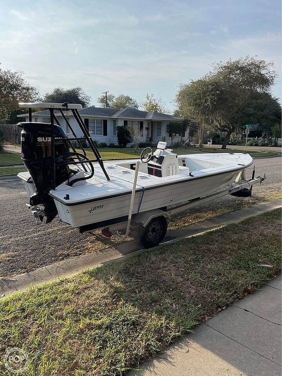1995 Hewes boat for sale, model of the boat is 19 Redfisher & Image # 9 of 32