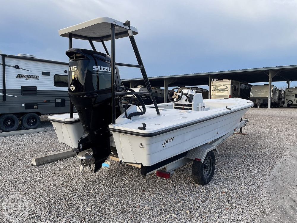 1995 Hewes boat for sale, model of the boat is 19 Redfisher & Image # 19 of 32