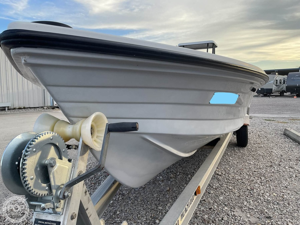 1995 Hewes boat for sale, model of the boat is 19 Redfisher & Image # 23 of 32