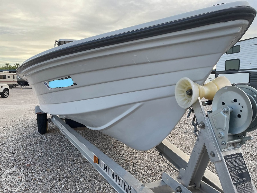 1995 Hewes boat for sale, model of the boat is 19 Redfisher & Image # 24 of 32