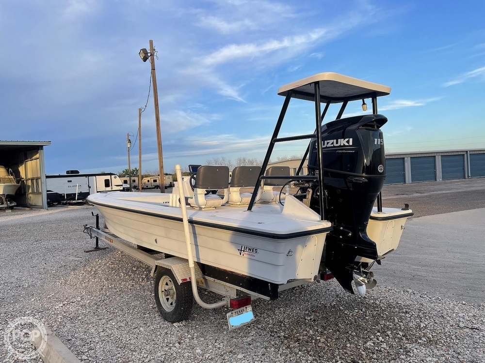1995 Hewes boat for sale, model of the boat is 19 Redfisher & Image # 27 of 32