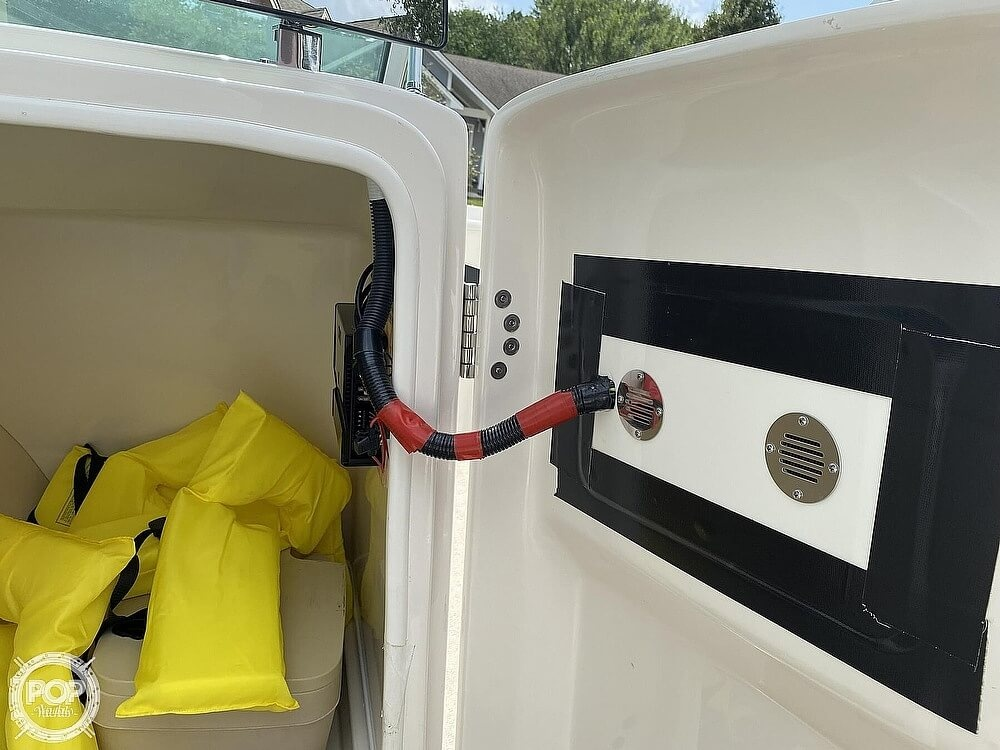 2010 Monterey boat for sale, model of the boat is 234FS & Image # 25 of 40