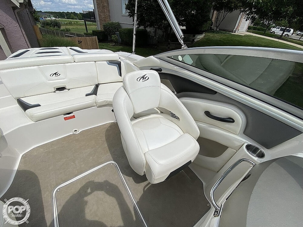 2010 Monterey boat for sale, model of the boat is 234FS & Image # 33 of 40
