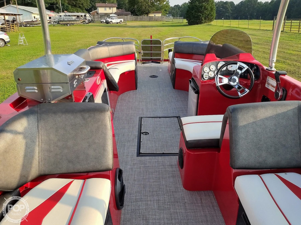 2018 Caravelle boat for sale, model of the boat is 258PF Razor & Image # 20 of 40