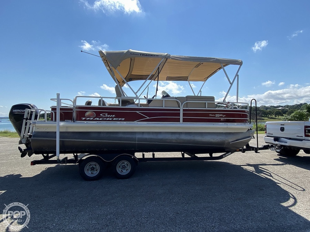 2019 Tracker Boats boat for sale, model of the boat is 20 DLX & Image # 14 of 40