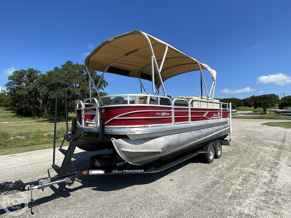 2019 Tracker Boats boat for sale, model of the boat is 20 DLX & Image # 3 of 40