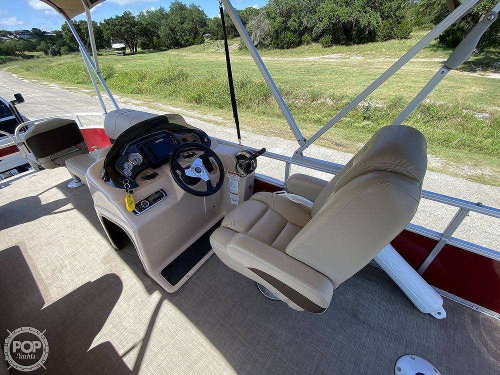 2019 Tracker Boats boat for sale, model of the boat is 20 DLX & Image # 4 of 40