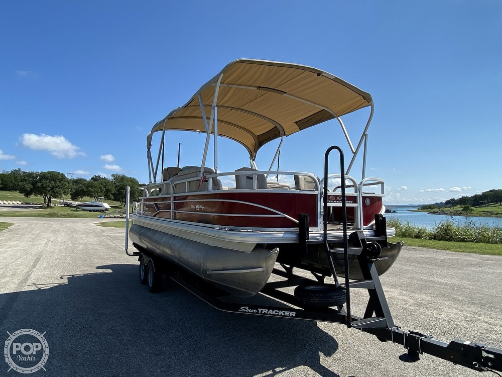 2019 Tracker Boats boat for sale, model of the boat is 20 DLX & Image # 5 of 40