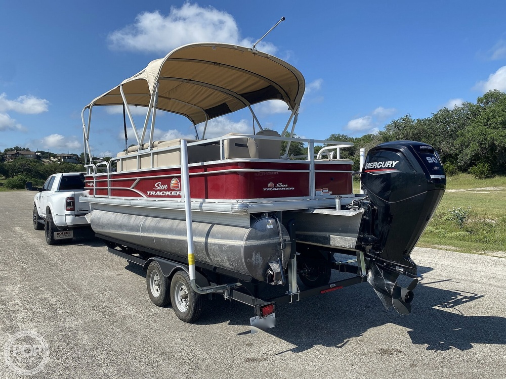 2019 Tracker Boats boat for sale, model of the boat is 20 DLX & Image # 9 of 40