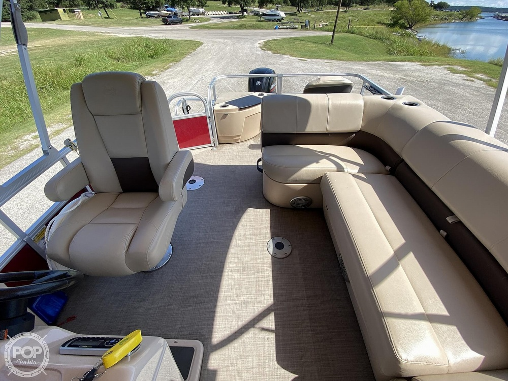 2019 Tracker Boats boat for sale, model of the boat is 20 DLX & Image # 16 of 40