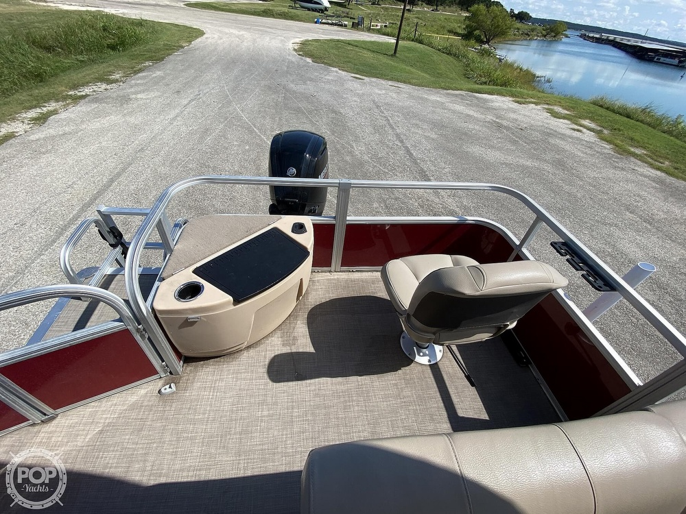 2019 Tracker Boats boat for sale, model of the boat is 20 DLX & Image # 17 of 40