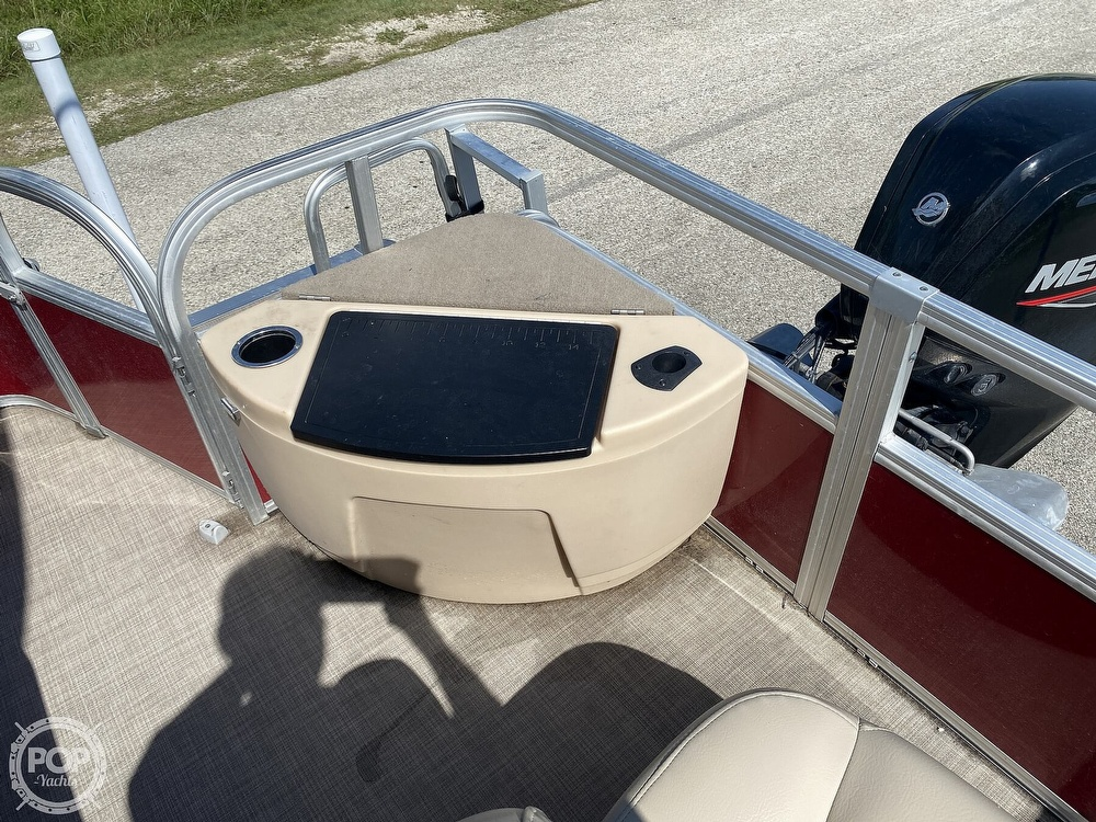 2019 Tracker Boats boat for sale, model of the boat is 20 DLX & Image # 18 of 40