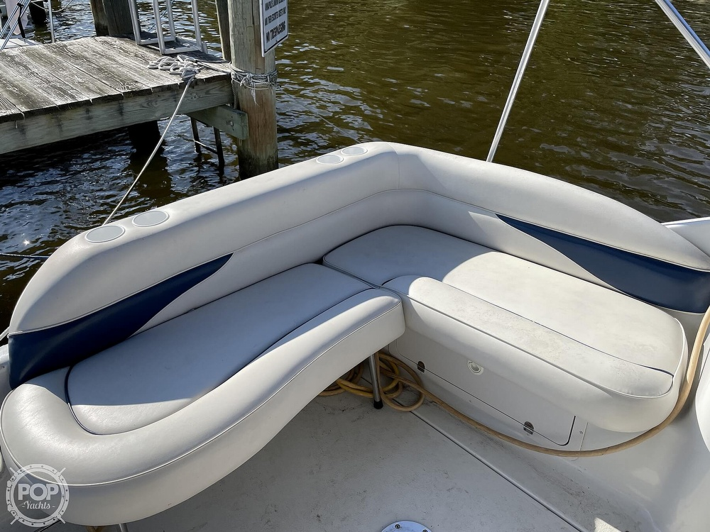 2002 Crownline boat for sale, model of the boat is 262 & Image # 13 of 40